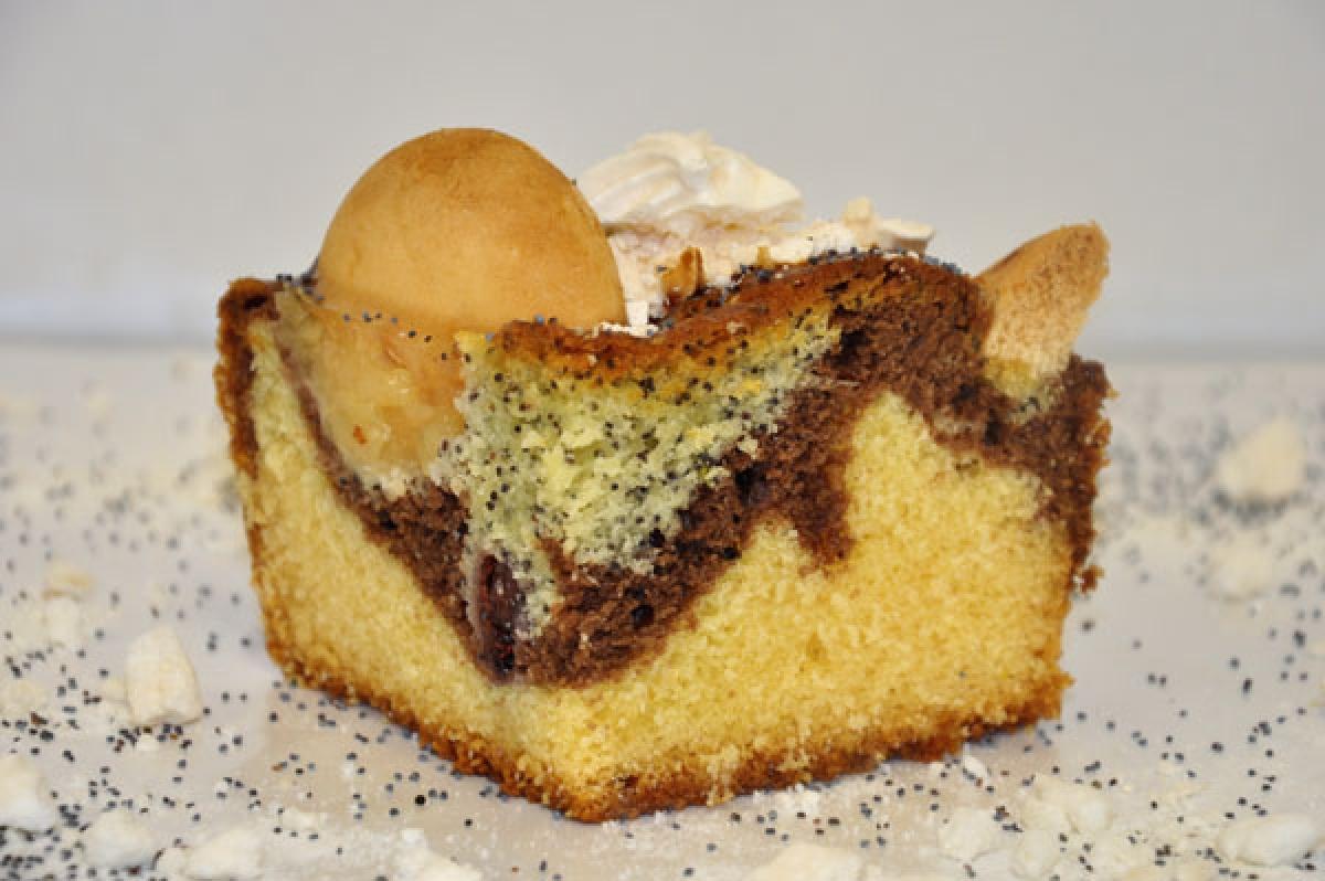 ciasteczkowy potwór, ciasto ucierane z dodatkiem jabłek, wiśni i maku
